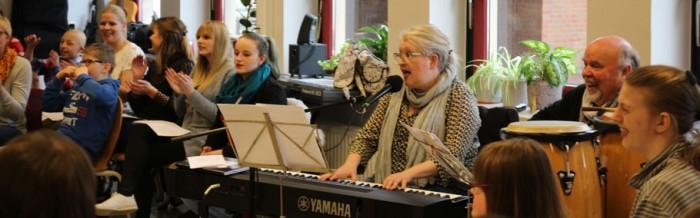 19. integrativer Musikworkshop mit Bea Nyga an der Justus-von-Liebig-Schule