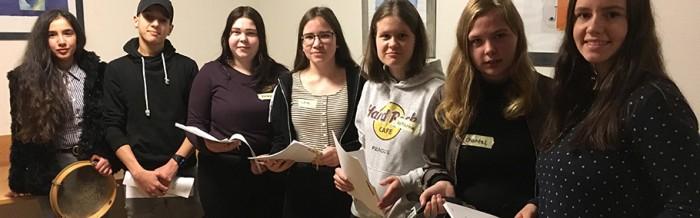 Schüler der Berufsfachschule Pflegeassistenz schenkten Bewohnern des Andreaswerkes Zeit