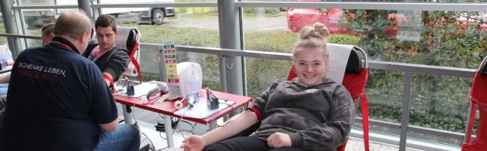 102 Schüler der Justus-von-Liebig-Schule spenden Blut