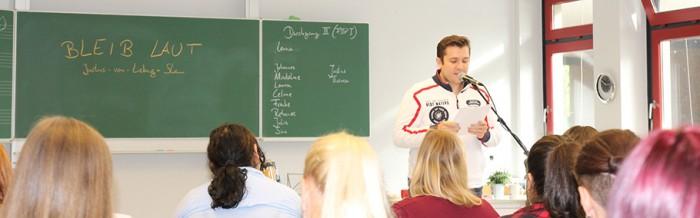 Erster Poetry-Slam an der Justus-von-Liebig-Schule