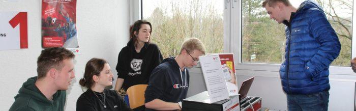Angehende Schulsanitäter unterstützten Blutspendeaktion