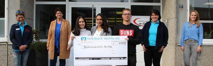"""Schülerinnen und Schüler der Justus-von-Liebig-Schule spenden an """"Hilfe für krebskranke Kinder Vechta e. V."""""""